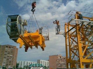 Как производится монтаж крана на строительной площадке?
