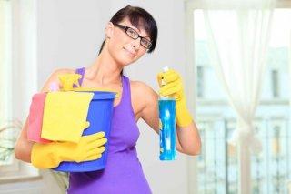 Уход за натяжными потолками, правила уборки