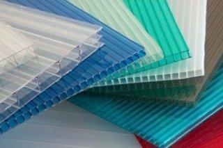 Монолитный и сотовый поликарбонат: особенности материалов