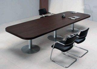 Как выбрать стол для переговорной?