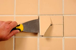 Как заменить плитку при повреждении