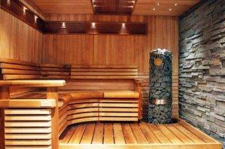 Дерево, плитка, бетон: чем покрыть пол в бане?