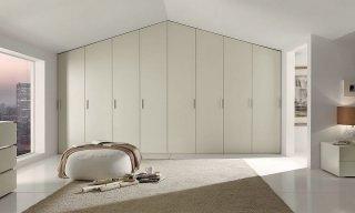 Специфика и принципы монтажа встроенных распашных шкафов