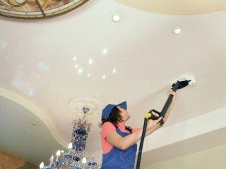 Основные правила мытья натяжного потолка